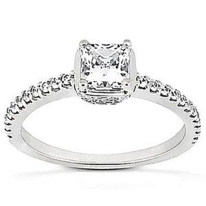 1.86 Carats diamonds gold solitaire ring with acce